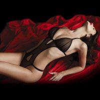 Body trikini a perizoma in tulle nero