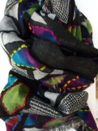Sciarpa stola in lana ricamata Caruso SCONTO 30%